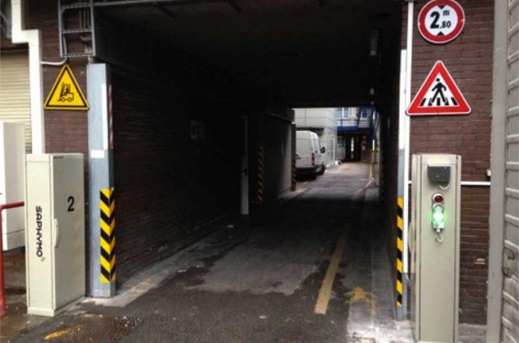 Contrôle de la non radioactivité des conteneurs : détection de la contamination des déchets hospitaliers