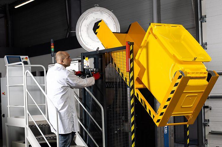 Chargement automatique, transformation en 30 minutes des DASRI en déchets municipaux